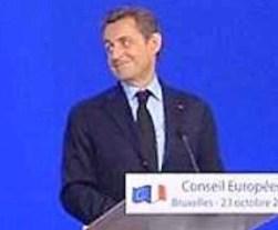 Nicolas Sarkozy quando nel 2011 ironizzava sull'Italia