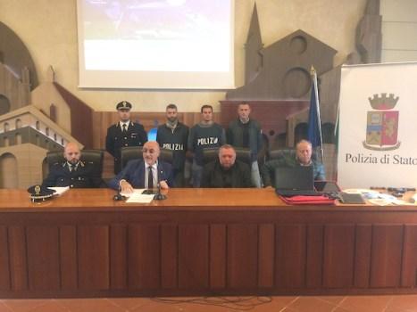 I poliziotti del Commissariato di San Giovanni durante la conferenza stampa