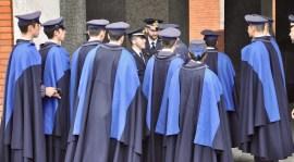 Un gruppo di allievi della Scuola Militare Douhet