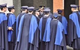 Un gruppo di allievi della Scuola Militare Aeronautica Douhet