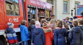 Tanti alunni delle scuole alla festa dei Pompieri 2017 a Firenze