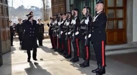 Il generale Tullio Del Sette al suo arrivo alla caserma Baldissera