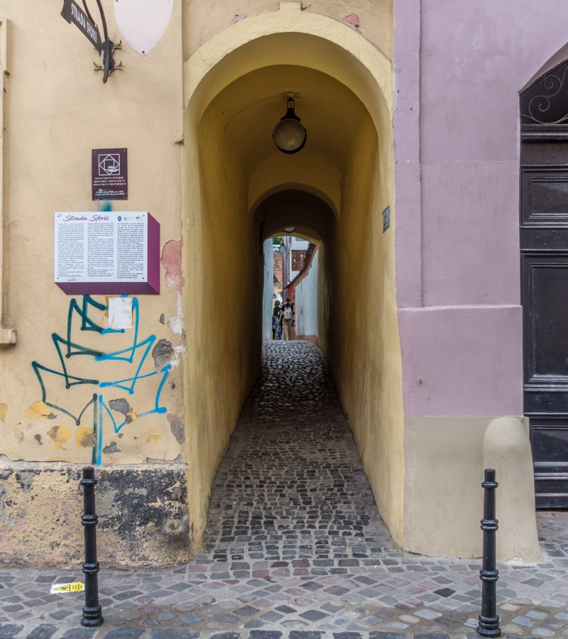 Strada Sforii, The Narrowest Street of Romania