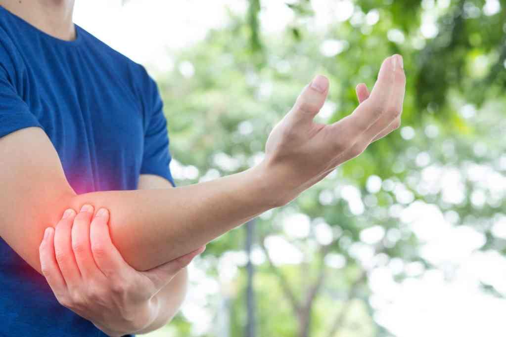Dolor codo y cervicobraquialgia osteopatia Felipe Alvarez osteopata DO. Las condes Providencia