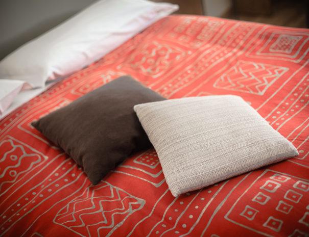 letto-camera-matrimoniale-605x465