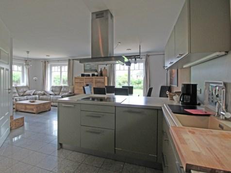 Einbauküche im Wohn- Essbereich integriert