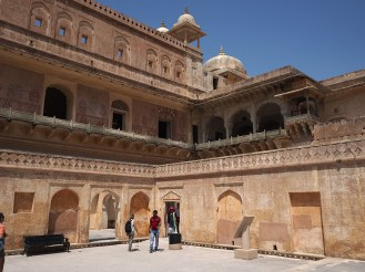 Winter residence & harem (right room for maharaja)