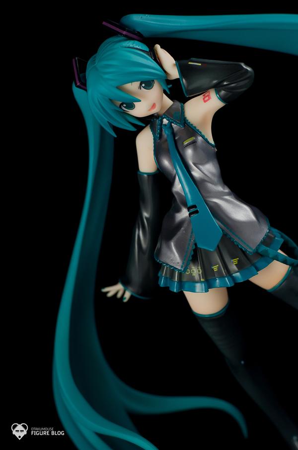 Review   GSC: Miku Hatsune (CVS 01) (30)