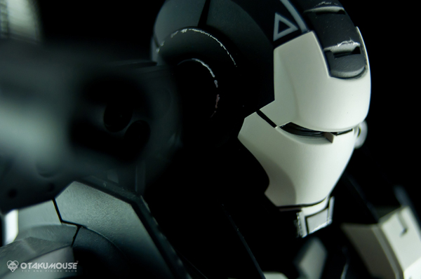 Review | Hot Toys: Warmachine (Special Version) (3)
