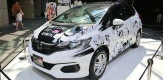 Honda Fit com decoração manga
