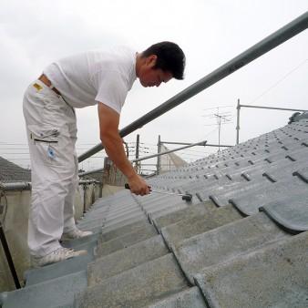 工事中:屋根塗装。