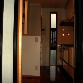 7:台所 台所東面を見る。