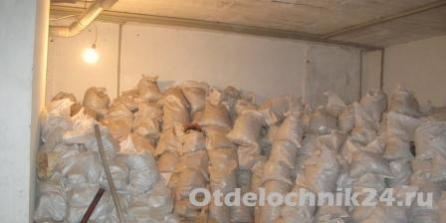 Мусор после демонтажа бетонной стены