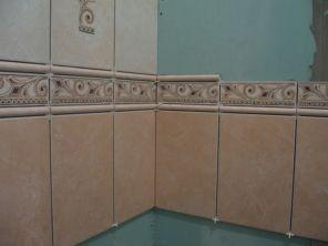 укладка плтки в ванной053