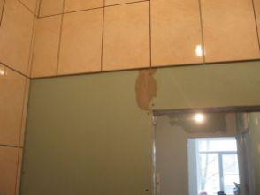 укладка плтки в ванной078