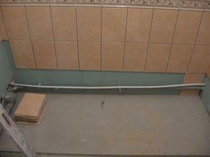 укладка плтки в ванной085