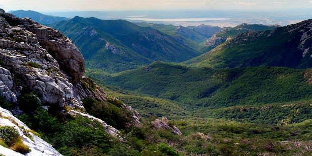 """Национален парк """"Пакленица"""" – уникалният карствов речен каньон"""