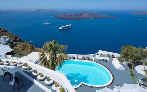 Остров Санторини – архипелаг, създаден от природен катаклизъм