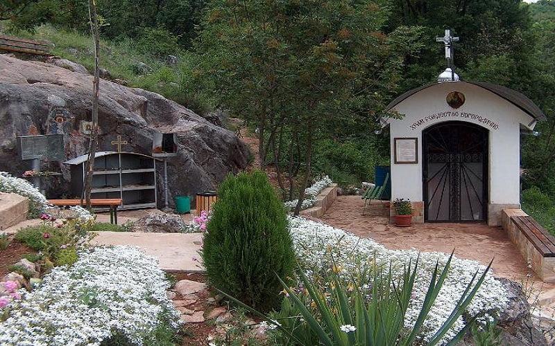 Богородичната стъпка край Стара Загора – място, което може да те разтърси