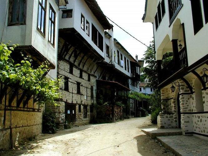 Почивка в Мелник – градът на виното ви очаква