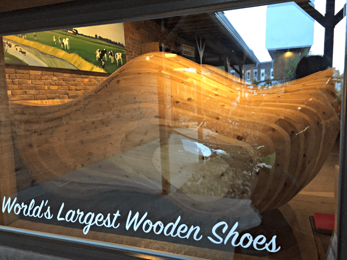 Casey Illinois Big Things Small Town Worlds Largest Wooden Shoes O