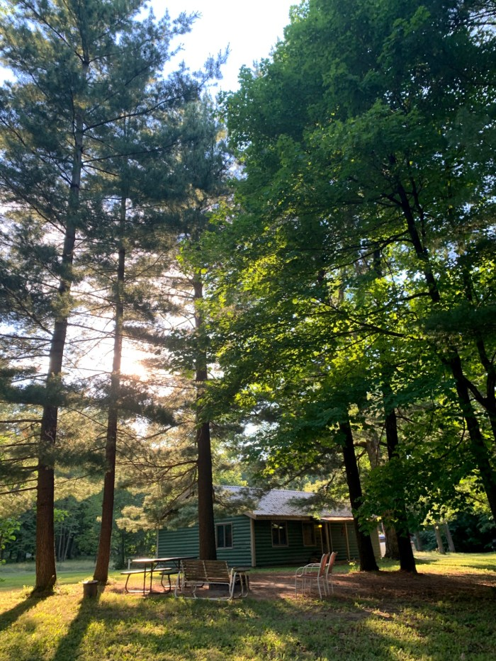 A peaceful and serene stay at Kishauwau's Starved Rock Area Cabins located close to Starved Rock State Park and Matthiessen State Park.