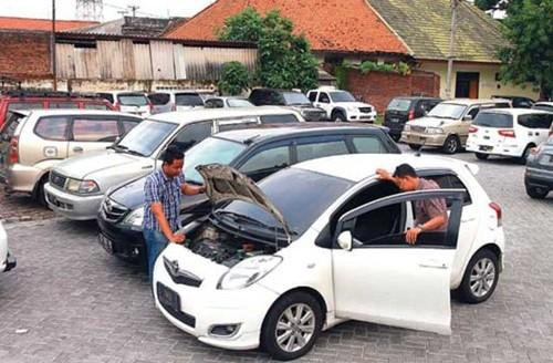 Tips Ciri Mobil Bekas Tidak Layak Dibeli