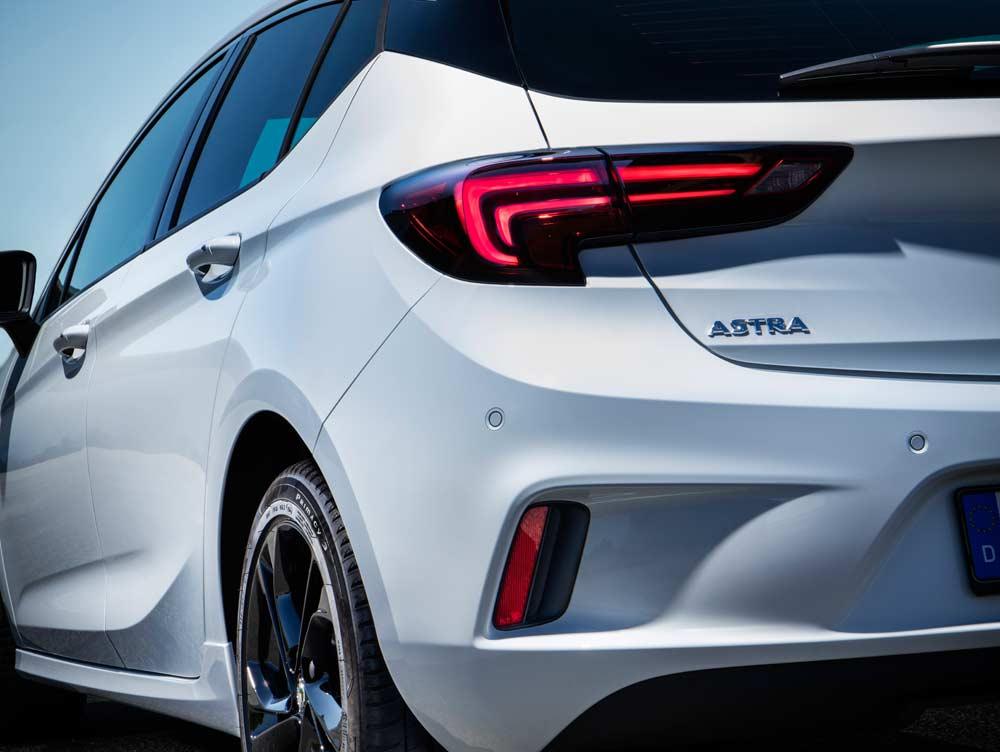 Yeni Opel Astra K OPC Line Sport 16 Lt 200 PS Oto Kokpit