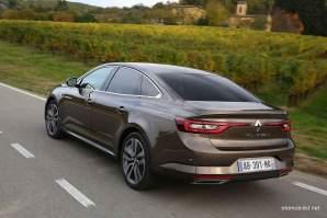 2016-Renault-Talisman-scene-10