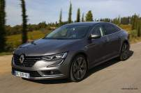 2016-Renault-Talisman-scene-32