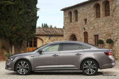 2016-Renault-Talisman-scene-4