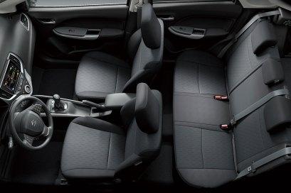 2017-Suzuki-Baleno-kabin