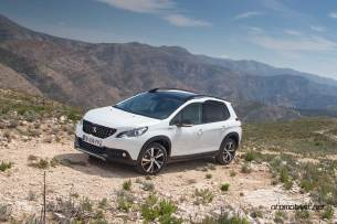 2017-Peugeot-2008_013