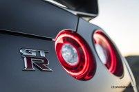 2017-Nissan-GT-R_006