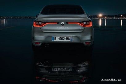 2017-Renault-Megane-Sedan_009