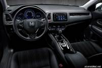 2016-honda-hr-v-interior-dash-detail