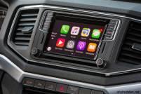2017-volkswagen-amarok-v6-interior-detail-ekran