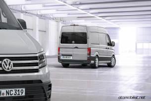2017-volkswagen-crafter-van-rear-side-2