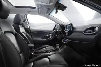 yeni Hyundai 2018 i30 Tourer SW kabin konsol