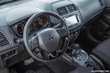 Mitsubishi-2017-Outlander-Sport-Limited-Edition-direksiyon