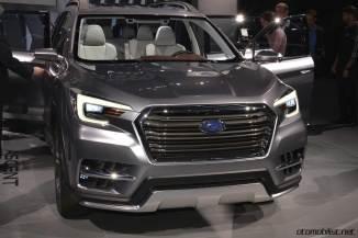 2018 Subaru Ascent SUV Concept ön panjur logo far
