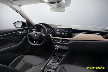 Skoda-Scala-2020-interior-dashboard