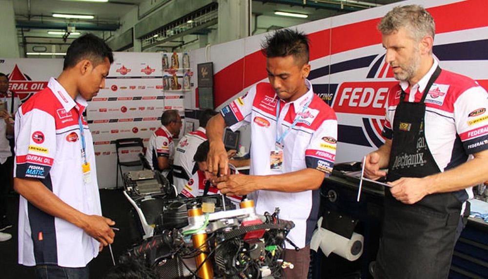 Kursus Mekanik Motor Balap