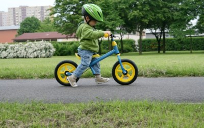 Cycling Safely while Social Distancing