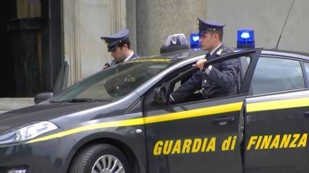 compravendita auto evadono il fisco sequestro da 600mila euro