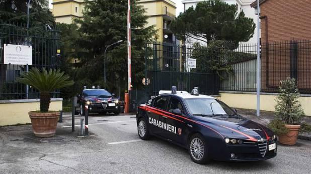 documenti non trovati in comune aceto chiama i carabinieri