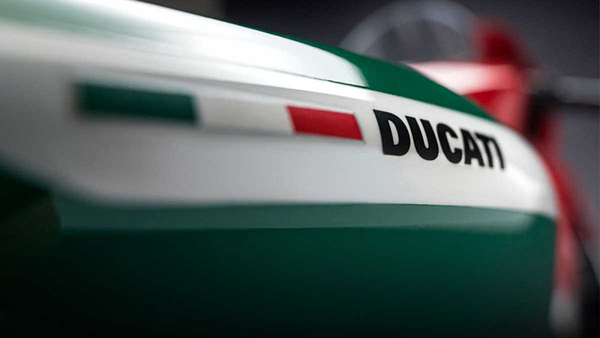 Ducati V4, Tricolore o Superlight