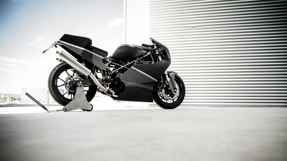 Ducati F1R - Rebellion of the Machines, ¡más madera!