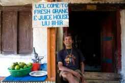 Annapurna circuit orange juice vendor