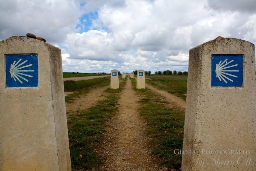 camino markers